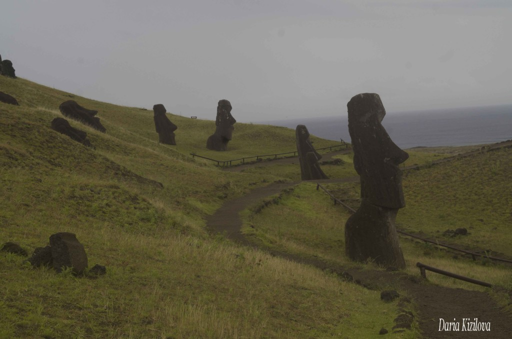 Cтатуи с Острова Пасхи Раскопки